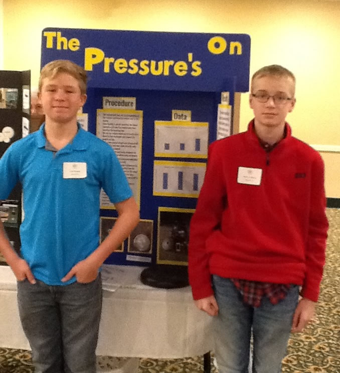 Grand Prize Southern Middle: L to R: Cole Russell and Jacob Hofberg with project The Pressure's On